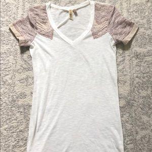 Buckle BKE Lace trim T-shirt
